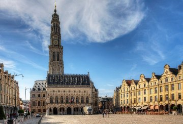La grand'Place d'Arras avec le befffroi